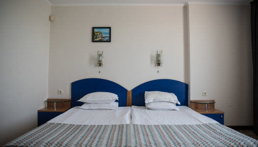 Double room with two separate beds